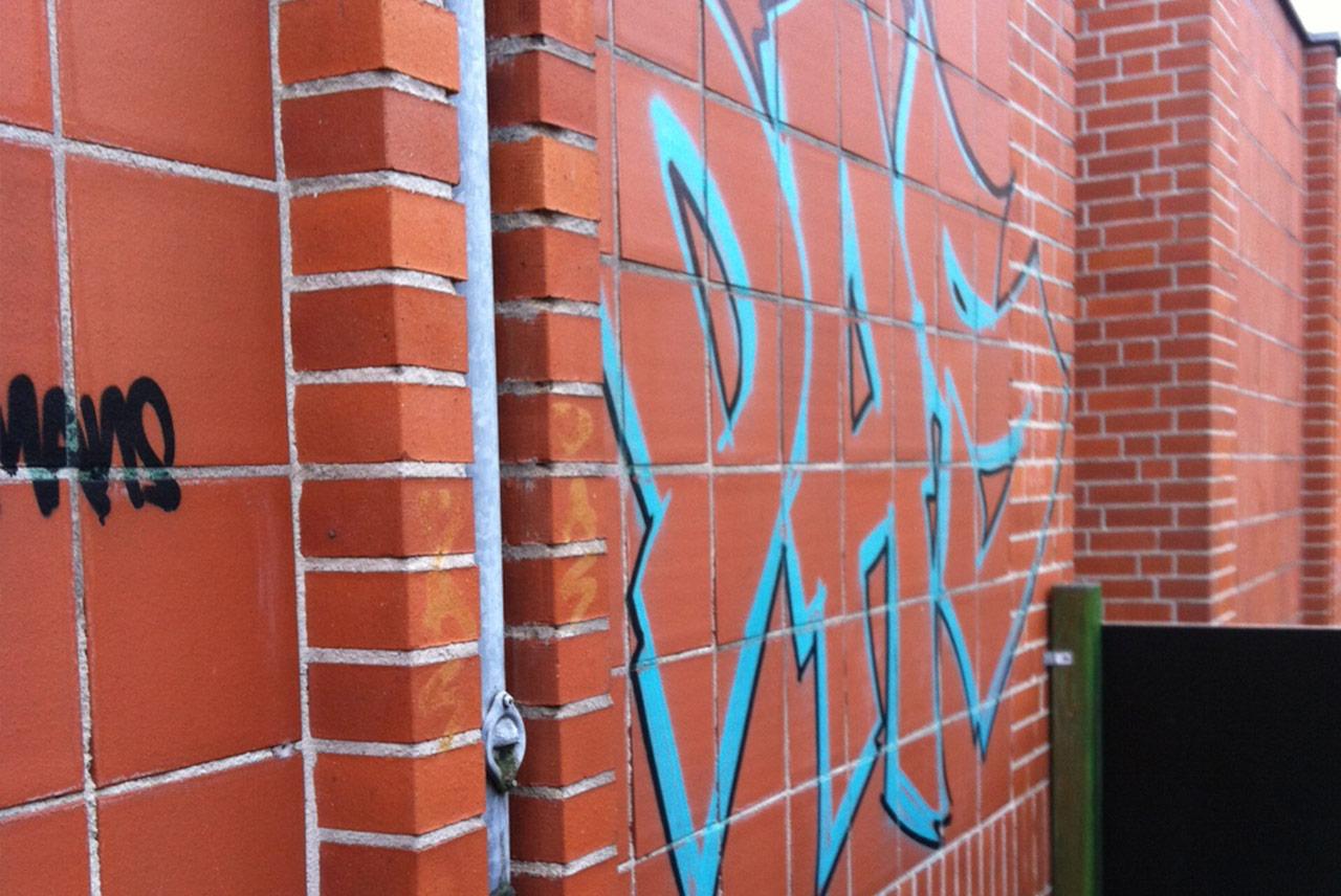 Before-klinker graffiti entfernung
